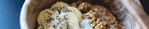 Chiapudding met banaan en walnoten